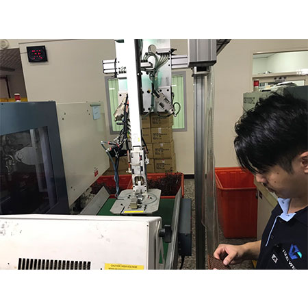 Plastic Injection Mold Tooling - 8-5